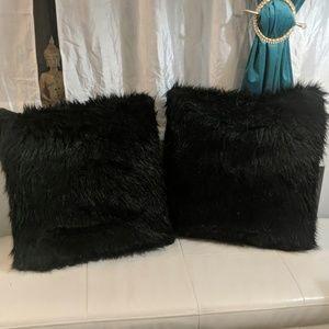 Set of 2 large black furry pillows